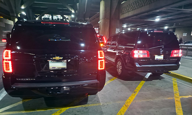 SUV Limousine Pick-up at Sky Harbor Airport